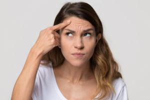 Zabieg usuwania zmarszczek przy użyciu botoksu - Derm Estetyka
